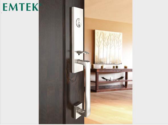 bradenton_florida_doors_hardware_satin_nickel_entryset_davos_emtek_5